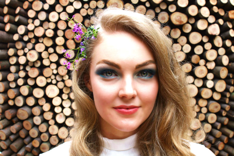 How to – 70s Disco Makeup gets Modern